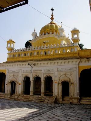 A Visit to Gurdwara Dera Sahib Lahore